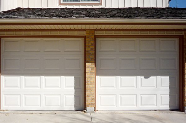 Residential panel garage door